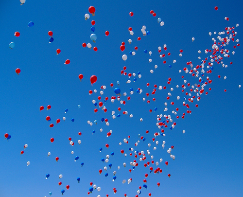 Balloons-floating-up